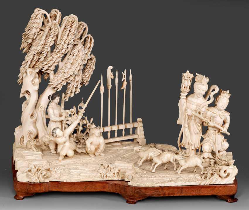 Large Ivory Carving - photo 1