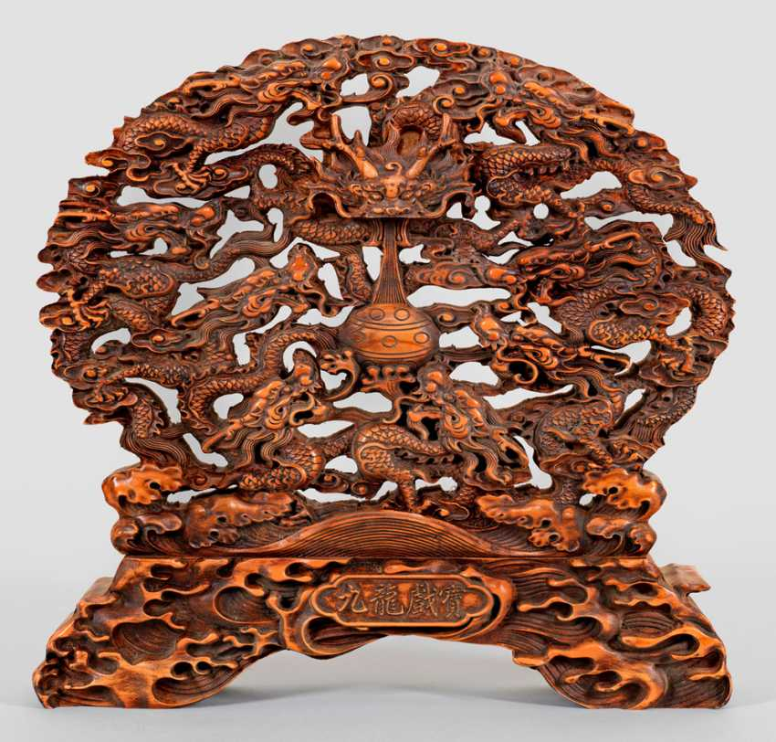Rose wood carving with dragon decoration - photo 1