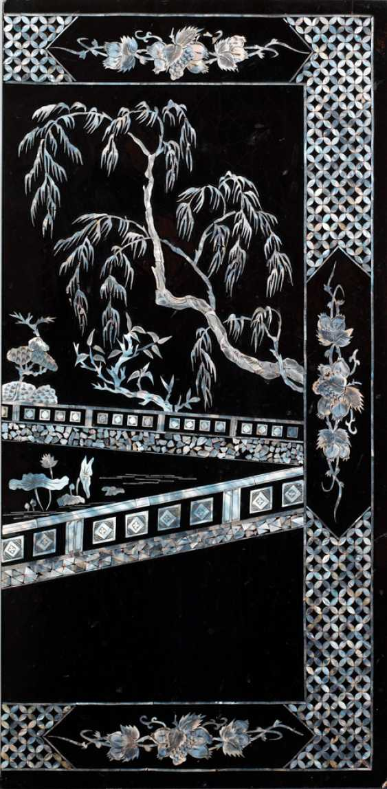 Four lacquer panels with mother of Pearl inlays - photo 4