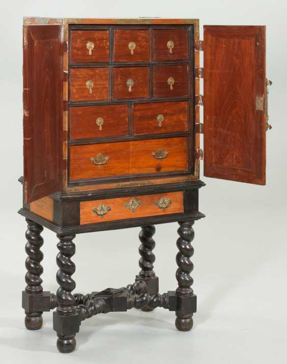 Cabinet - photo 2