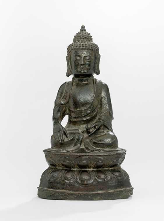 Bronze of Buddha Shakyamuni on a Lotus sitting - photo 1