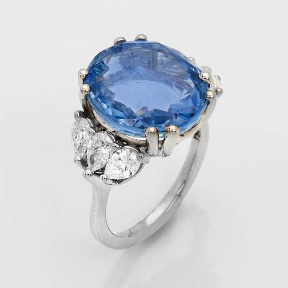 Representative untreated sapphire and diamond ring - photo 1