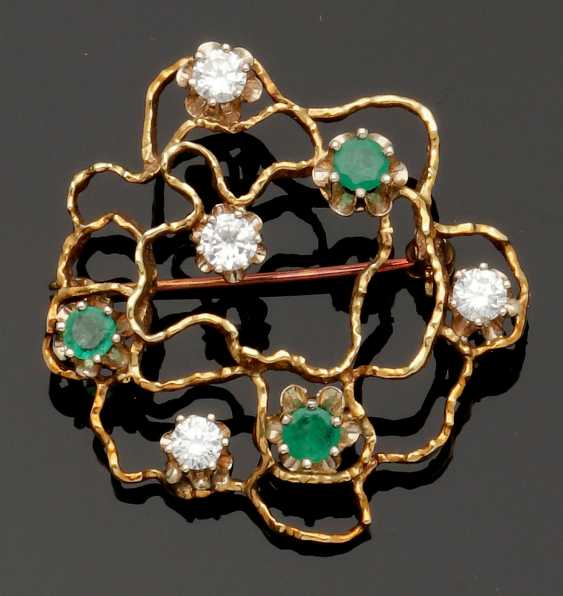 Decorative Emerald And Diamond Brooch - photo 1