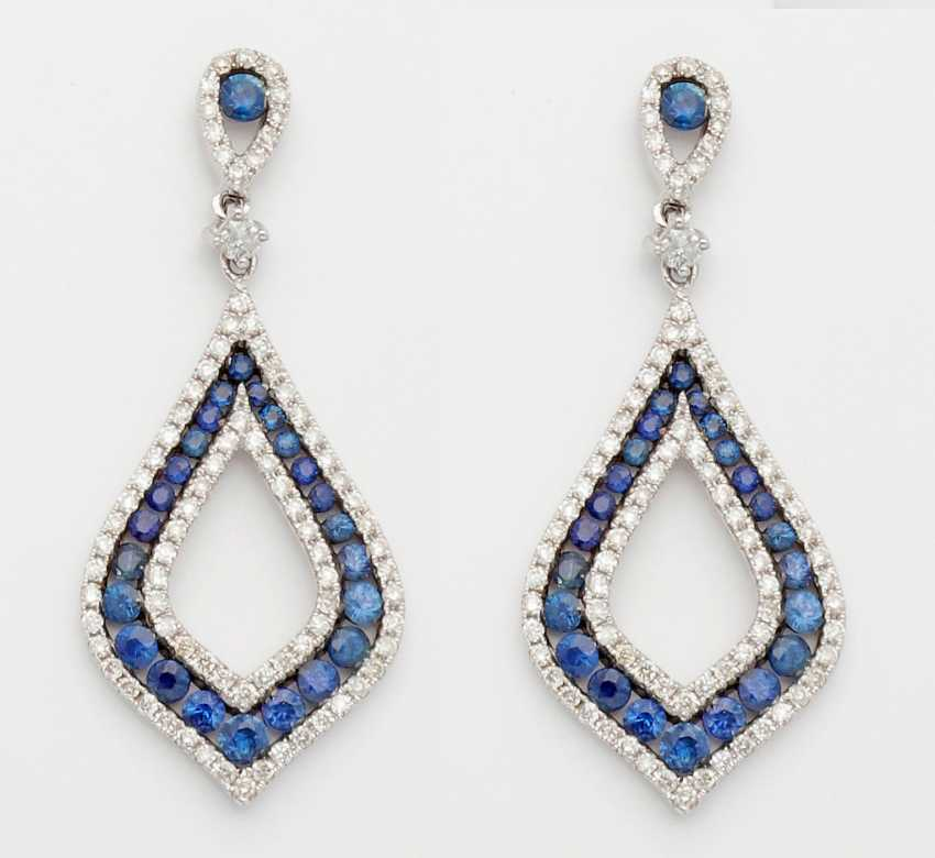 Pair of elegant sapphire drop earrings - photo 1