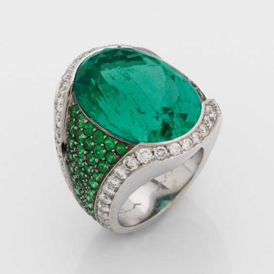 Exceptional Emerald Ring - photo 1