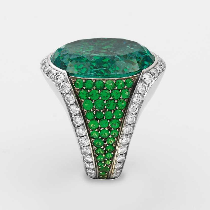 Exceptional Emerald Ring - photo 2