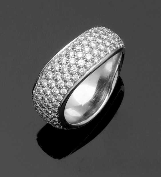 Diamond ring by Pomellato - photo 1