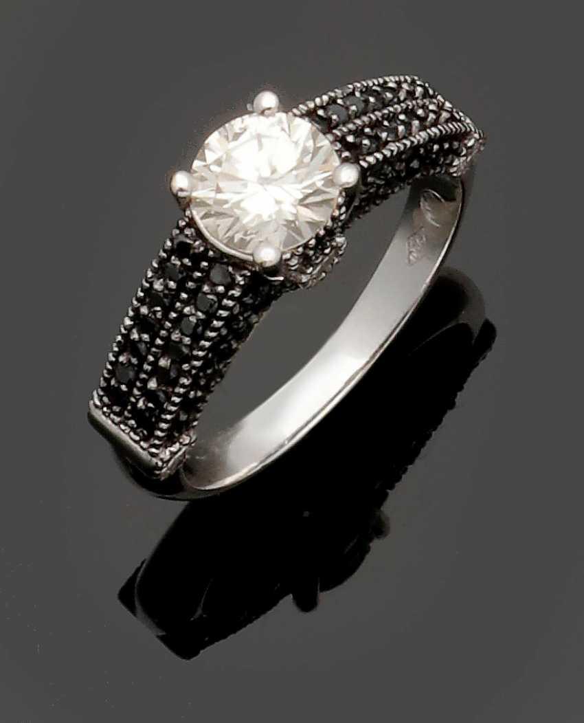 Brilliant-Solitaire Ring - photo 1