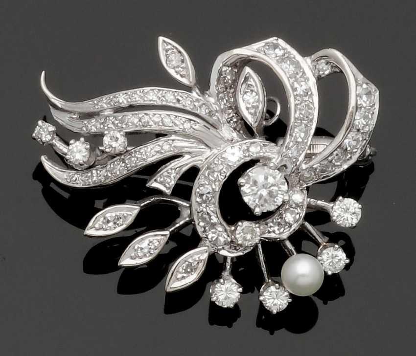 Fine Diamond Brooch - photo 1