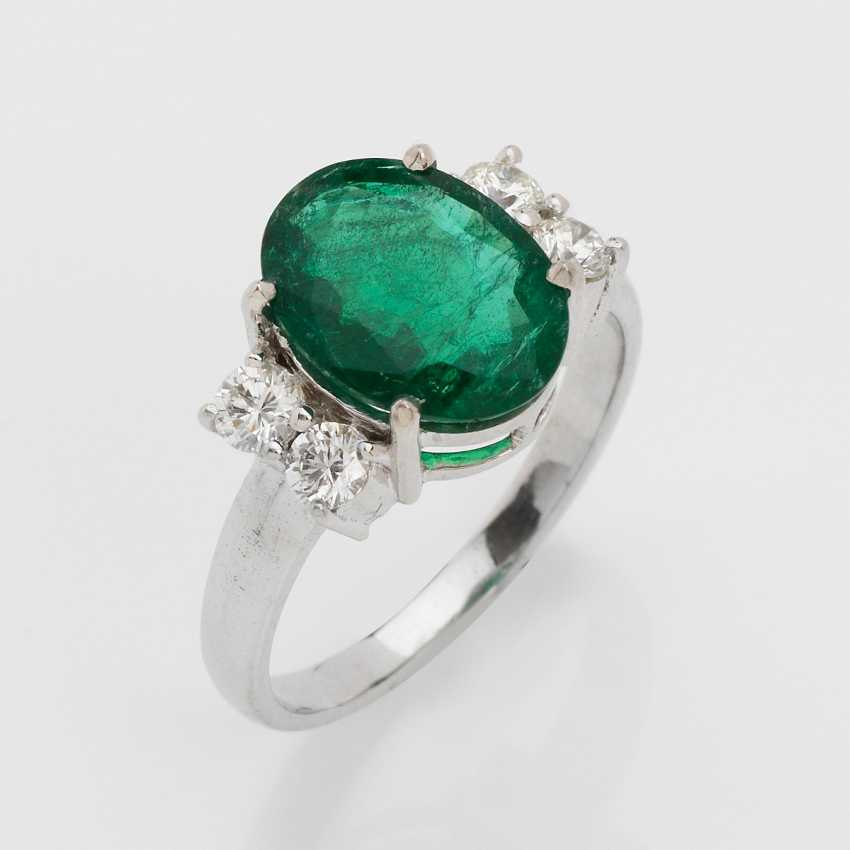 Elegant Emerald Ring - photo 1