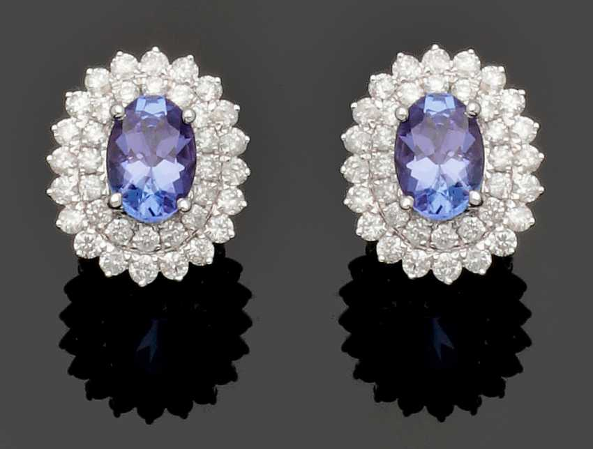 Pair of exquisite tanzanite and diamond earrings - photo 1