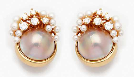 Pair of Mabe pearl clip-on earrings with brilliant trim - photo 1