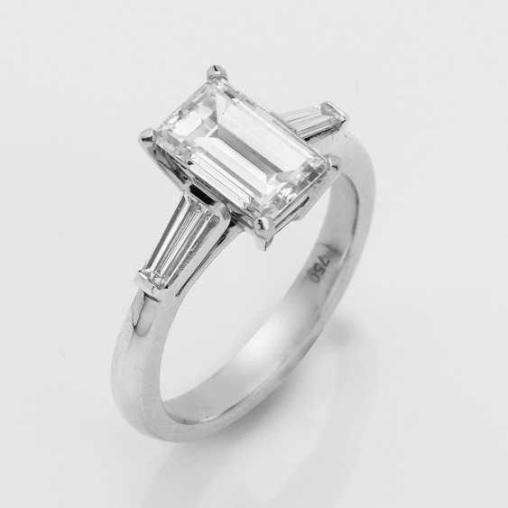 High-Quality Diamond Solitaire Ring - photo 1