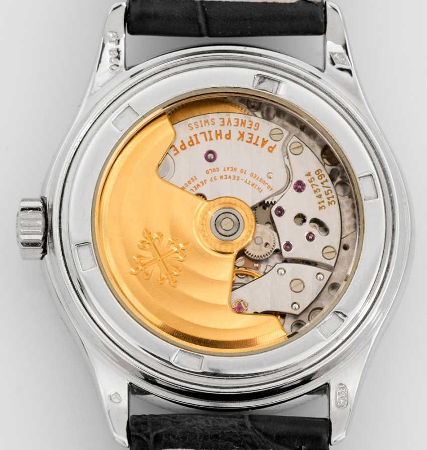 Gentleman's wristwatch by Patek Philippe with calendar - photo 2