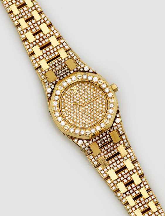 Ladies watch with brilliant finishing by Audemars Piguet, - photo 1