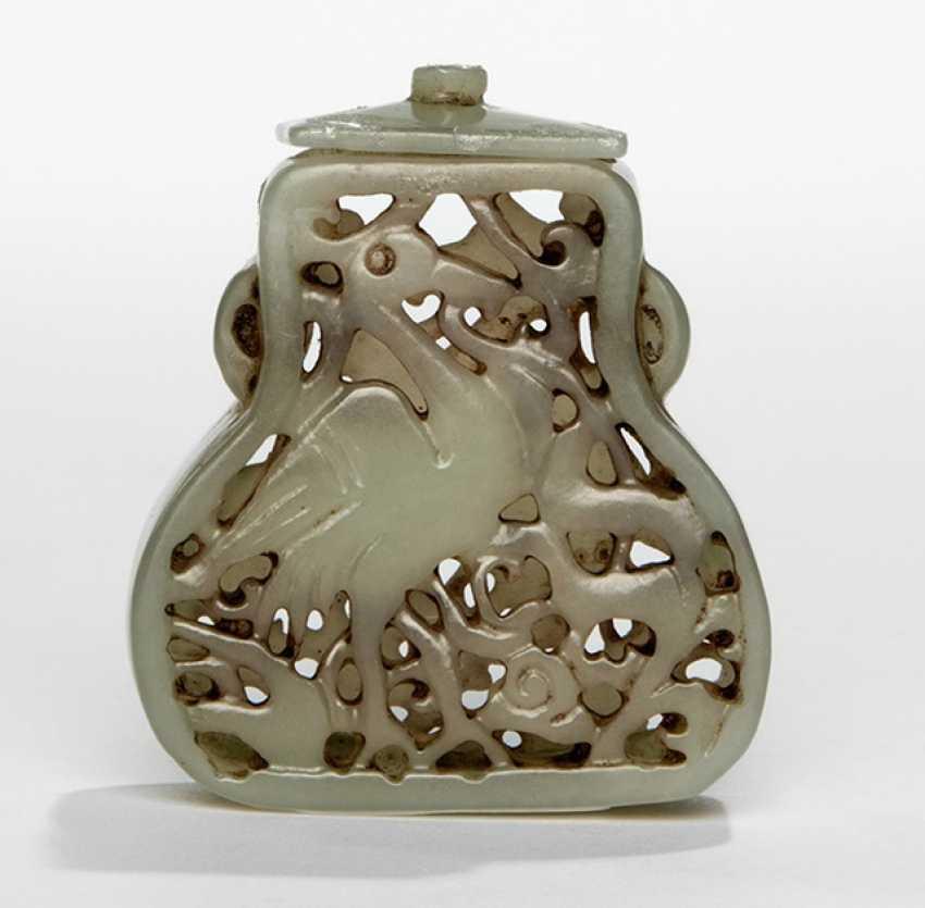 Gourds shaped Jadefläschchen with crane motif, in the breakthrough worked - photo 1