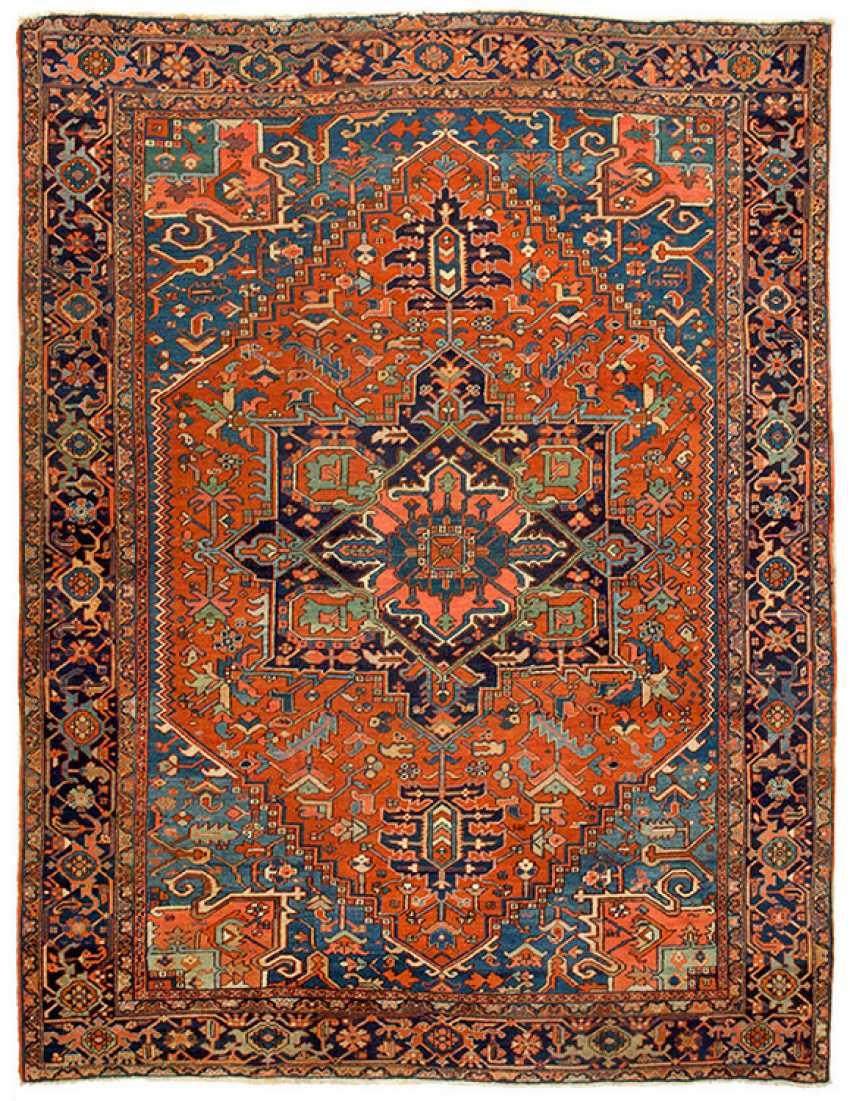 Large antique Heriz carpet - photo 1