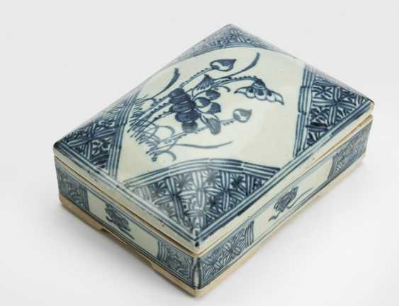 Прямоугольная фарфоровая с крышкой коробки под глазурью голубого лотоса Декор - фото 1