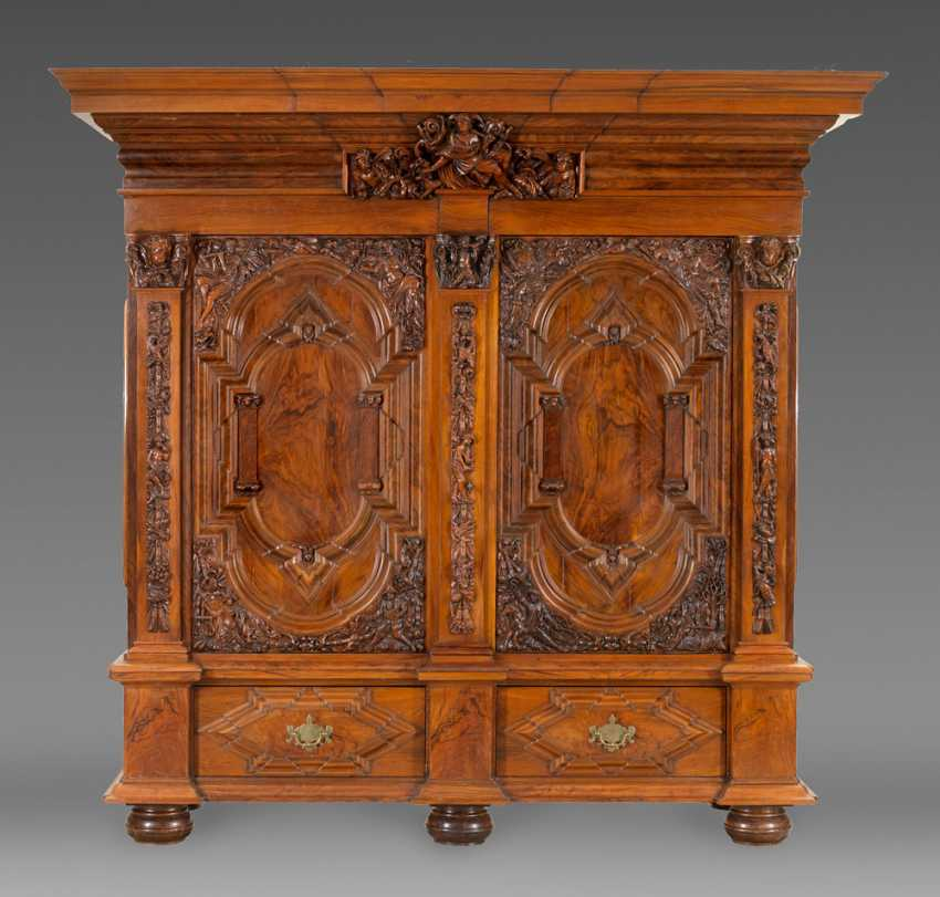 Large Baroque Hall Cupboard - photo 1
