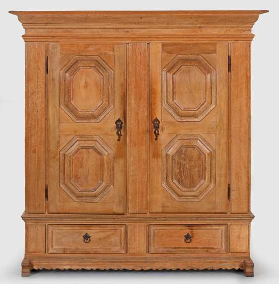 Small Baroque Hall Cupboard - photo 1