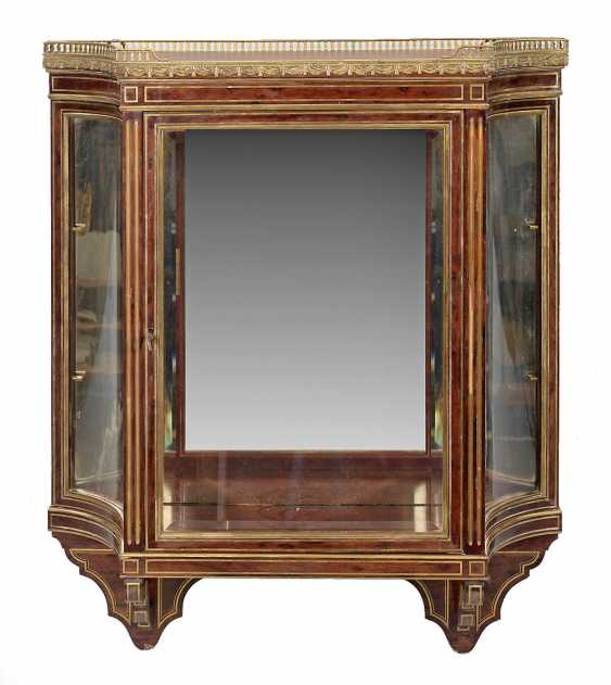 Louis XVI-Wandvitrine - photo 1