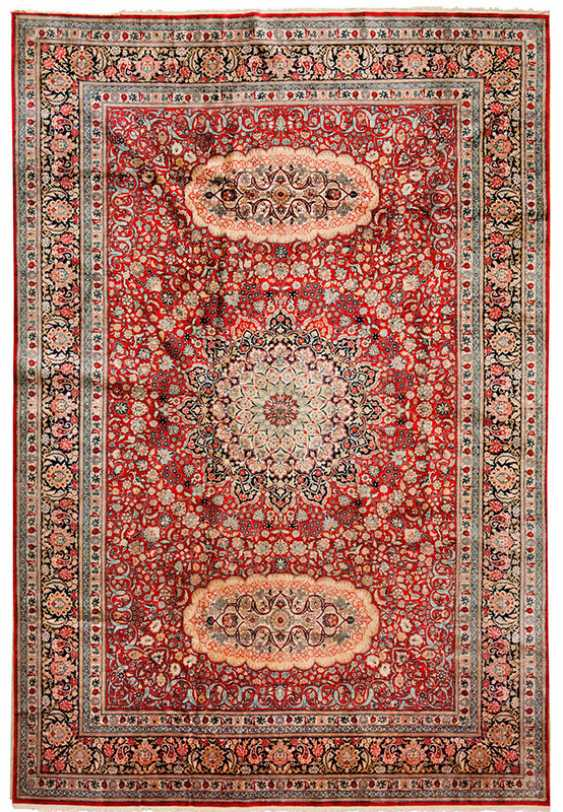 Hereke Silk Carpet - photo 1