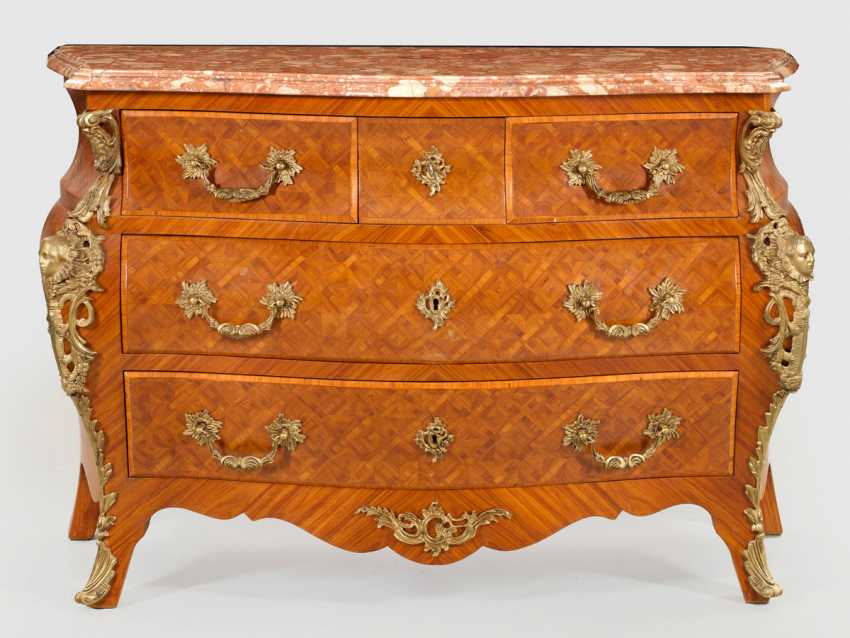 Large chest of drawers in the Régence style - photo 1