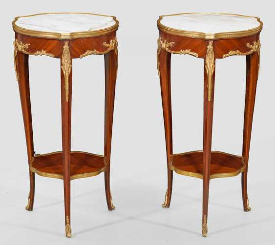 Couple of small side tables in the Louis XV style - photo 1