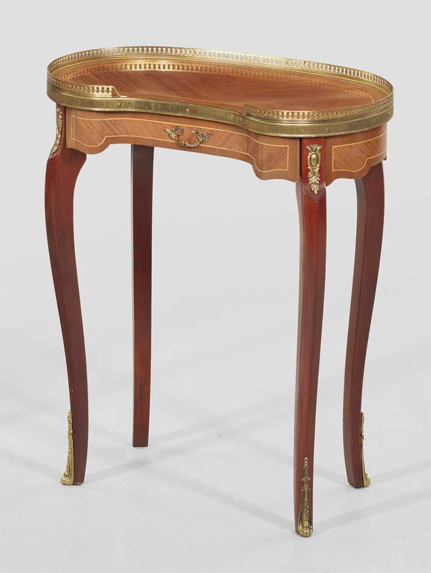 Small side table in the Louis XVI style - photo 1
