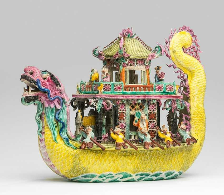 Polychrome decorated ship in dragon shape, made of porcelain - photo 1