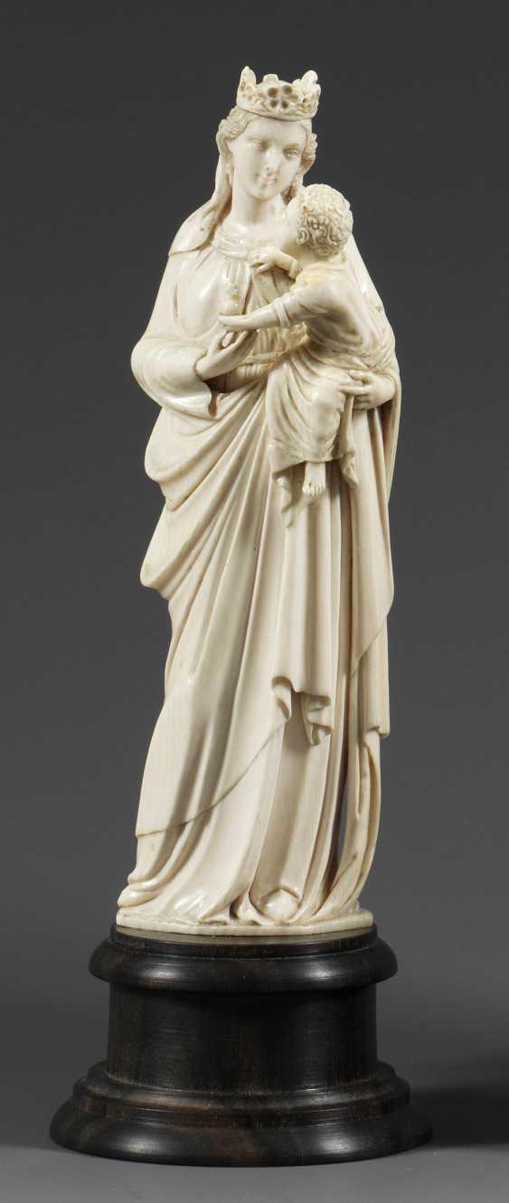 Italian Ivory Carver - photo 1