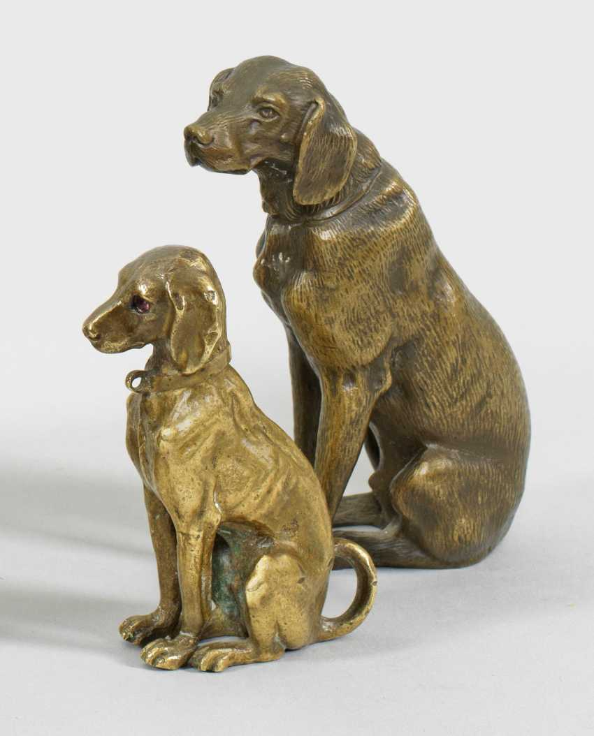Two small dog figurines - photo 1