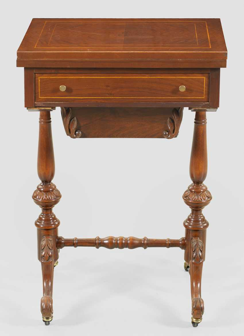 Small Victorian game table - photo 2
