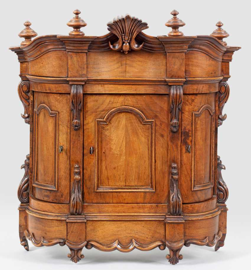 Baroque-Model-In Closet - photo 1