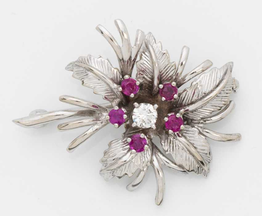 Delicate flower brooch with ruby and diamond trimming - photo 1