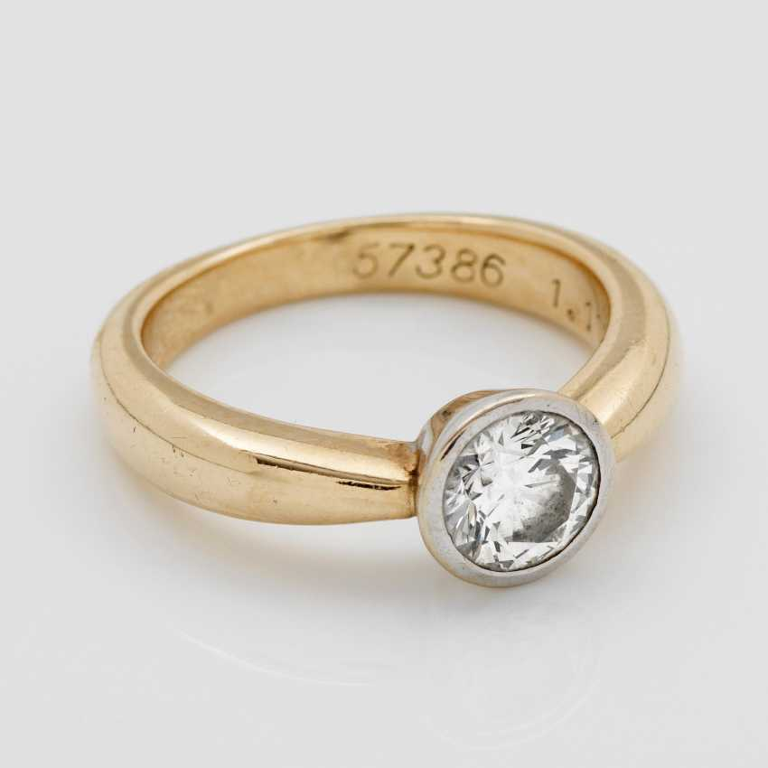 Classic Brilliant Solitaire Ring - photo 1