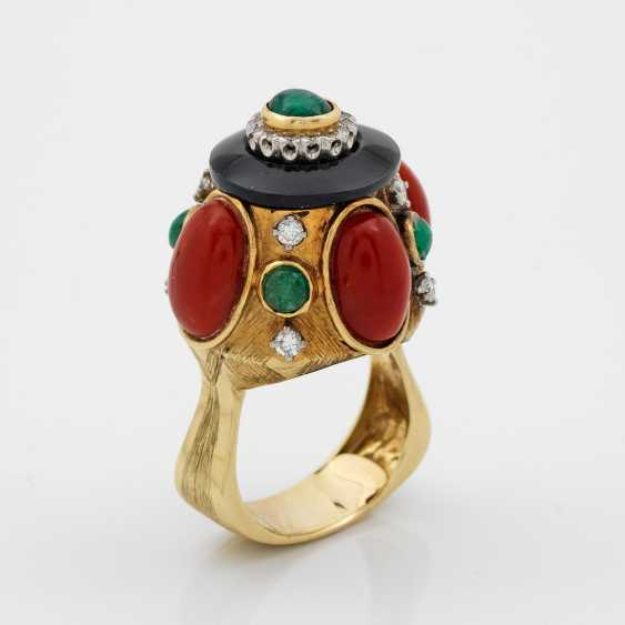 Extravagant coral-and-emerald ring from the 60s - photo 1
