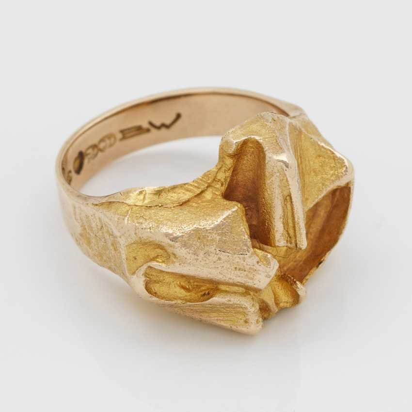 Modern gold ring from the Designer BW - photo 1
