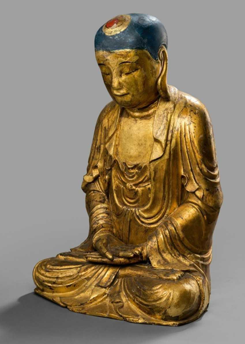 Lackvergoldete Skulptur des Buddha Shakyamuni - photo 1