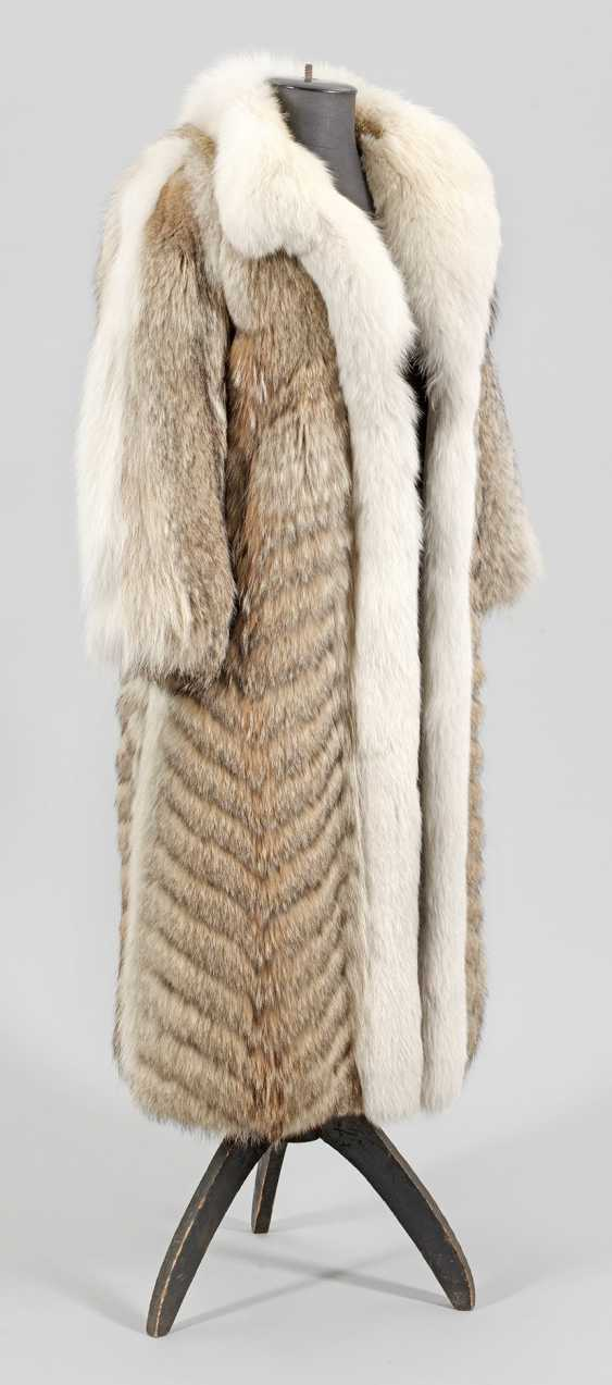 Vintage coyote fur coat from the 70s - photo 1