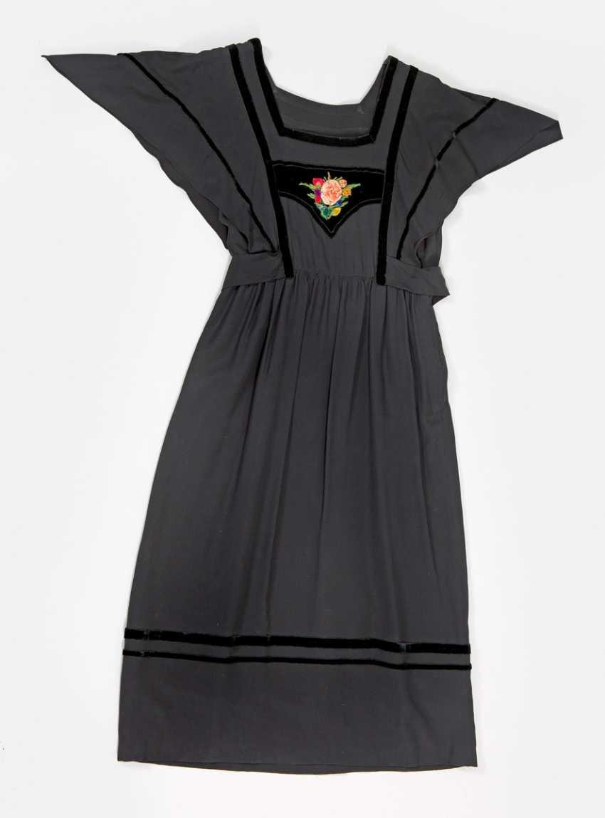 Two Vintage Dresses - photo 1