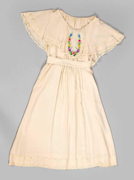 Two Vintage Dresses - photo 2
