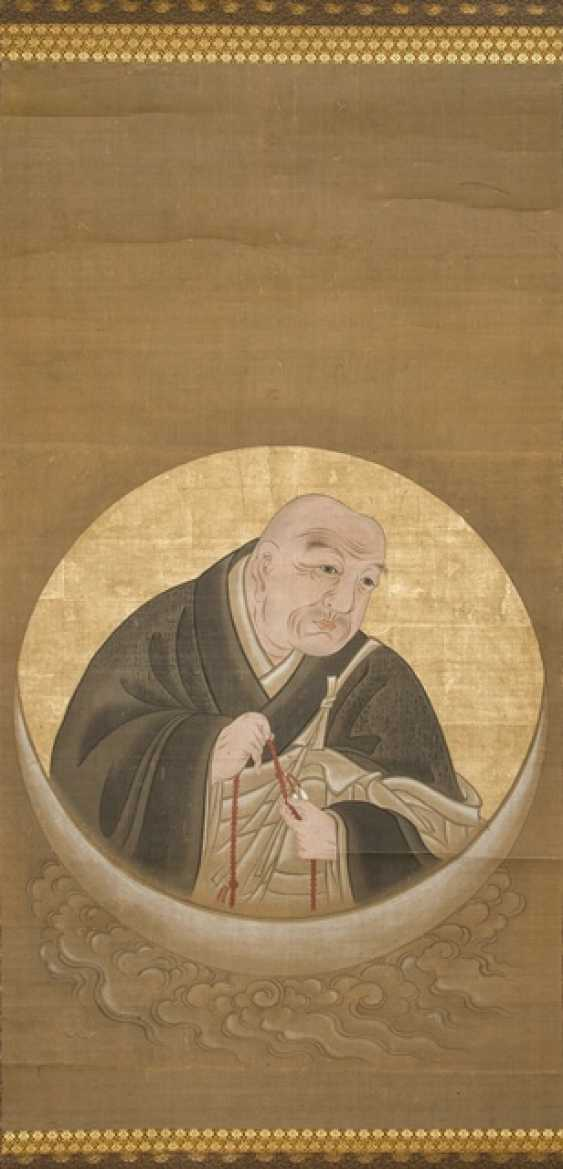 Anonymous priest-portrait with prayer chain on a Crescent moon in a Tondo-Form - photo 1