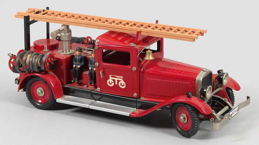 Large fire engine by Marklin - photo 1
