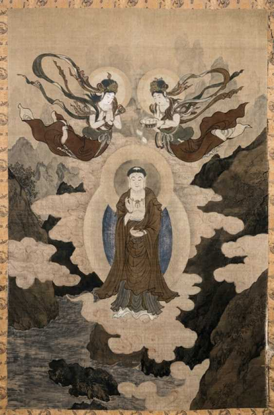 Large devotional image with an image of Guanyin pusa under two Asparas - photo 1