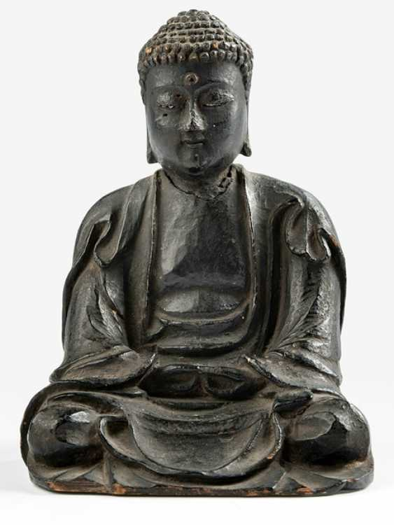 Sculpture of the Buddha Amida made of wood with a black lacquer version - photo 1