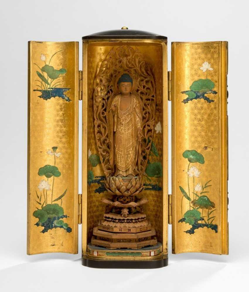 Zushi made of wood with a representation of the Buddha Amida - photo 1