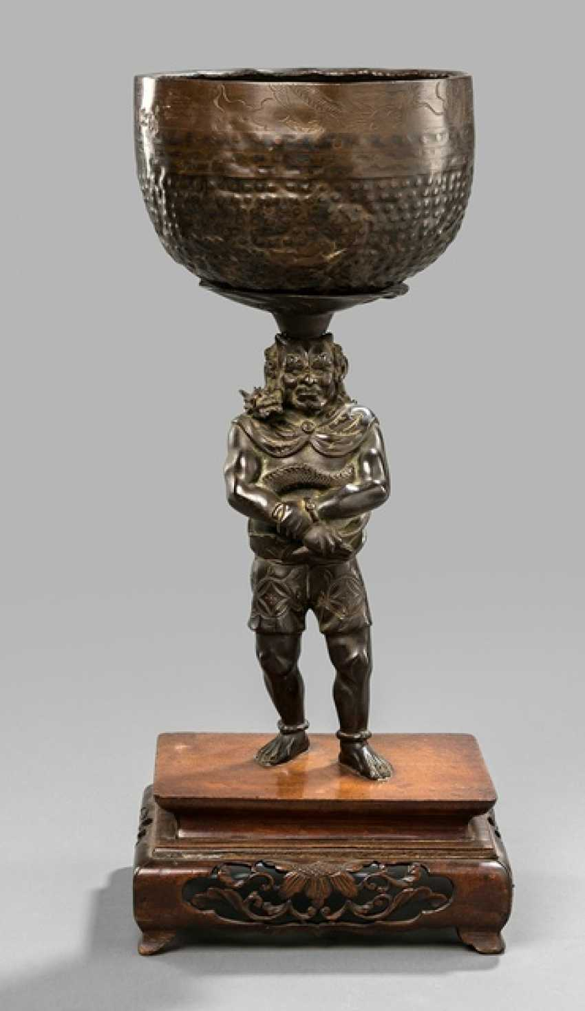Sound bowl on Stand in the Form of a standing Oni Bronze - photo 1