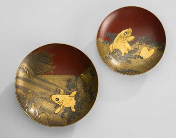 Two sake cups made of lacquer with a decor of a jumping carp by the waterfall - photo 1