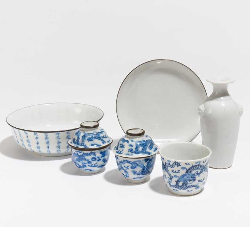 Collection of blue-and-white porcelain - photo 1